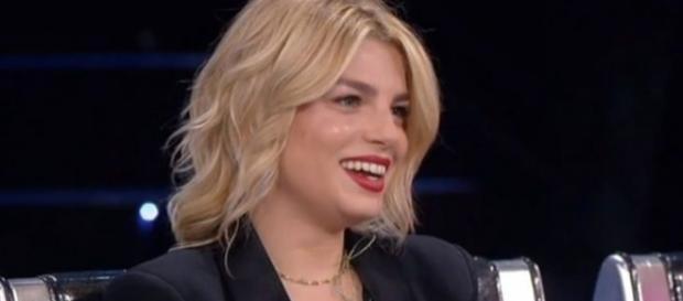 Gossip, Emma Marrone: 'Sono single e farei un figlio anche da sola'.