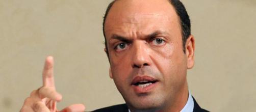 Angelino Alfano batte tutti i record di longevità come ministro