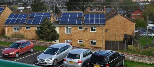 Houses with solar panels (Image credit – Nilfanion, Wikimedia Commons)