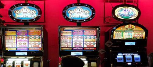 Slot machine imposte dal clan mafioso sequestrate