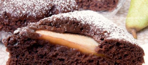 Torta Pere e Cioccolato soffice | Senza uova burro e latte - giallozafferano.it