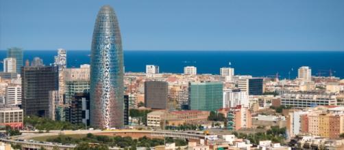 Viajar a Barcelona - Torre Agbar de Barcelona - viajarabarcelona.org