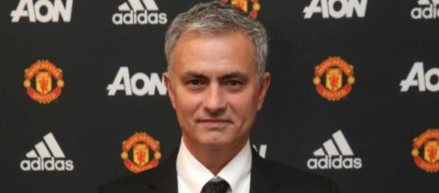 Jose Mourinho strides into Old Trafford and tells Man Utd to ... - telegraph.co.uk
