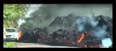 Hawaii volcano spews lava that is melting everything in its path. Photo: CNN News/YouTube Screenshot