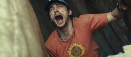 127 Horas el actor corta su brazo en una escena para salvarse