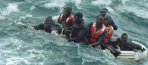 España rescató a 476 inmigrantes de morir ahogados