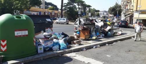 Inchiesta rifiuti Roma coinvolti dipendenti Ama e smaltitori illegali