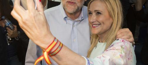 Políticos del PP empiezan a abandonar a Rajoy.