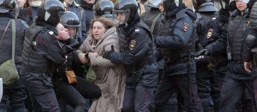 "Putin ve analogías entre las protestas rusas, ""la primavera árabe ... - elpais.com"