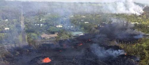Volcán destruye 9 casas en Hawái; arroja lava 200 pies hacia ... - diario.mx
