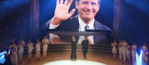 'Vuoi Scommettere?' con Michelle Hunziker e Aurora omaggia Fabrizio Frizzi