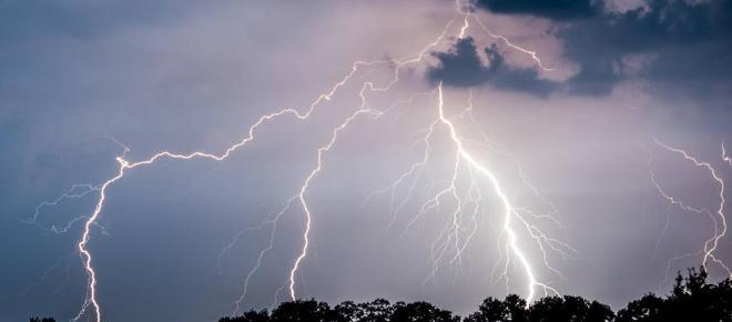 Unwetterwarnung - Hier drohen nach Hitzewelle schwere Gewitter.