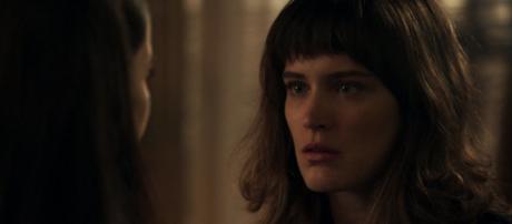 Clara vira suspeita de crimes no penúltimo capítulo de O Outro Lado do Paraíso (Foto: TV Globo)