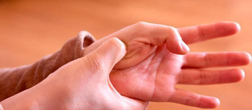 4 puntos de acupresión para aliviar los dolores más frecuentes ... - elsalvador.com