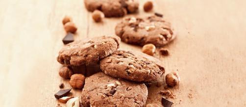 Biscotti di nocciole e cioccolato - Ci Piace Cucinare - cipiacecucinare.it