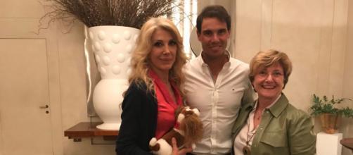 Da sinistra: Gabriella Carlucci, Rafa Nadal e Marina Benvenuti in un hotel del Centro di Roma