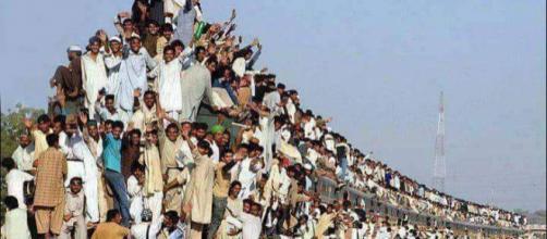 La SNCF doit-elle s'inspirer de l'Inde pour rentabiliser les lignes de voyageurs et supprimer ses déficits ?