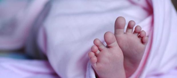 Bebê é encontrado morto por morador