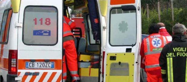 Calabria, tragico incidente: uomo investito da un camion