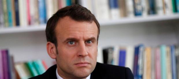 Emmanuel Macron en difficulté à l'international