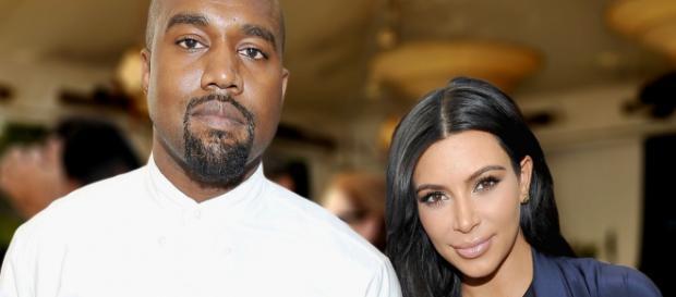Kanye West com a esposa Kim Kardashian