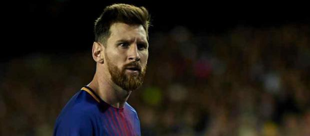 Lionel Messi está sempre em conversações com a direção do Barcelona