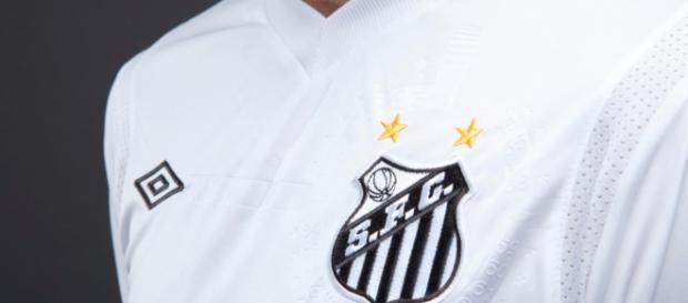 Nova patrocinadora já está tendo sua marca exposta nos uniformes de treino