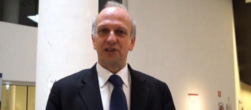 Chi è Marco Bussetti, biografia del Ministro dell'Istruzione. Photo credits: edu moto via YouTube