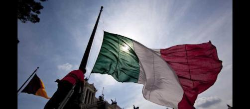 """festa della Repubblica italiana del 2 giugno. Sergio Mattarella """"Uniti per il paese"""""""