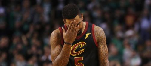 JR Smith is going to be remembered as the player who created the biggest blunder in Cavs history. Image -Twitter - twitter.com