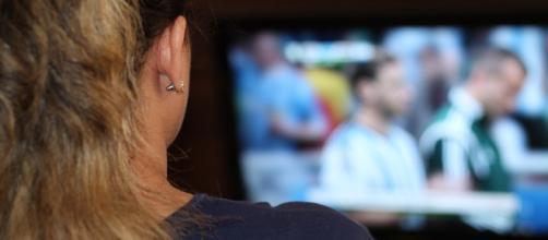 Palinsesto Canale 5: novità giugno 2018, addio Uomini e donne