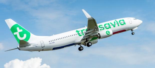 Passeggero maleodorante: aereo effettua atterraggio d'emergenza