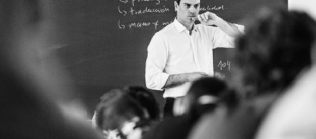 Pedro Sanchez, profesor por un día | el-mundo-tv | EL MUNDO - elmundo.es