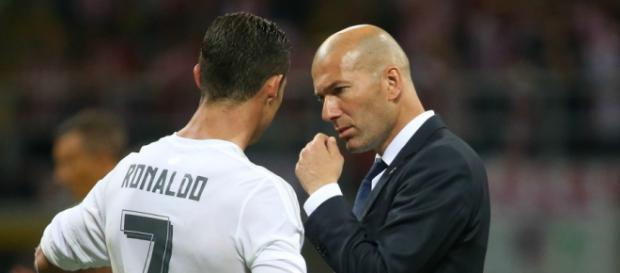 Ronaldo recadré par Zidane - Football - Sports.fr - sports.fr