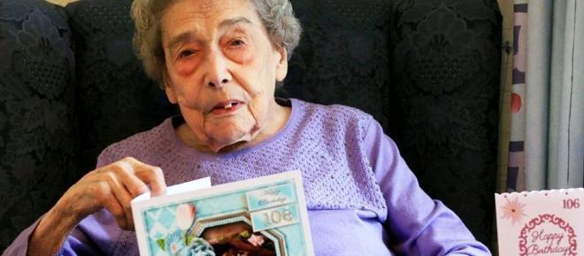 Centenaria inglese rivela il metodo per vivere a lungo: essere single