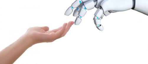 Nervi artificiali: la nuova tecnologia che potrebbe rendere i robot sensibili al tatto.