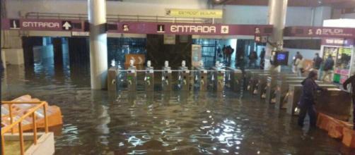 Inundaciones afectan varias estaciones del Metro de la CDMX - televisa.com