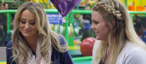 Leah Messer chats with sister Victoria on 'Teen Mom 2.' - [Photo via MTV / YouTube screencap]