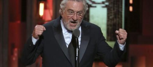 Robert De Niro dice 'Fuck Trump' en la gala de los Tony
