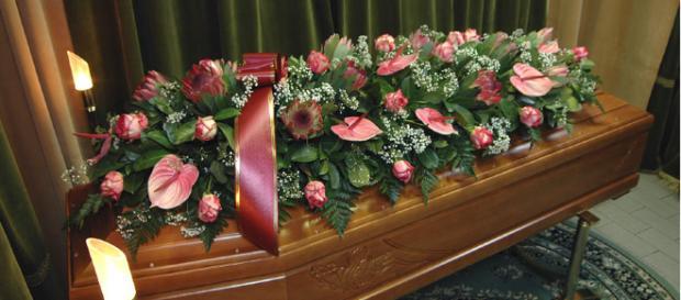 Niente soldi per il funerale: tiene in casa per cinque mesi il cadavere mummificato della zia.
