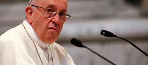 El papa Francisco acepta la renuncia de tres obispos chilenos tras caso de pedofilia