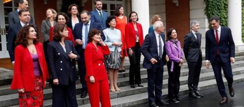 El nuevo Gobierno sabe que sin consenso no se podrá reformar la Constitución de España
