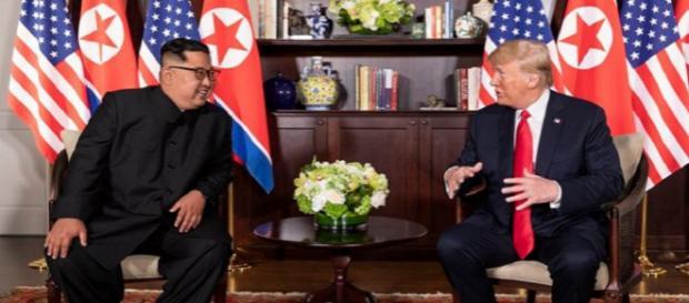 Kim Jong-un e Donald Trump se encontram em Singapura - Foto: Shealah Craighead / Facebook Oficial Casa Branca