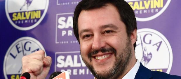 Salvini si prende in mano l'Italia (foto presa da Google Immagini)