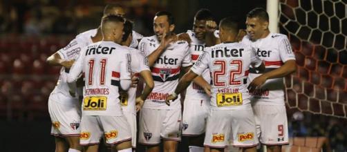 Jogadores do São Paulo celebram vitória no Morumbi - Foto: Reprodução / Facebook Oficial São Paulo FC