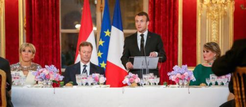 Emmanuel Macron : 50000 ou 500000 les nouvelles assiettes ?. - gala.fr
