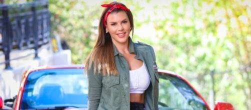 Pour un résultat plus naturel, Amélie Neten (Les Anges 10) opte pour réduction mammaire