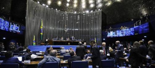 Senado aprova projeto que criminaliza importunação sexual e ... - com.br