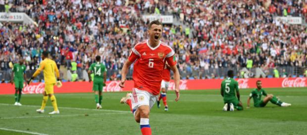 Cheryshev sai para o abraço após balançar a rede. (Foto: site fifa.com)