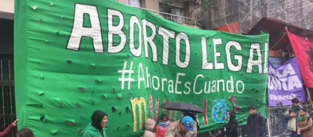Legalização do aborto divide população argentina